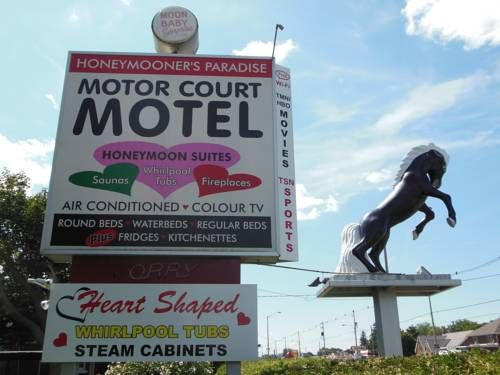 Motor Court Motel London Ontario Centrally Located In London Ontario Motor Court Motel Features A 24 Hour Front Desk Free Water Bed Front Desk Round Beds