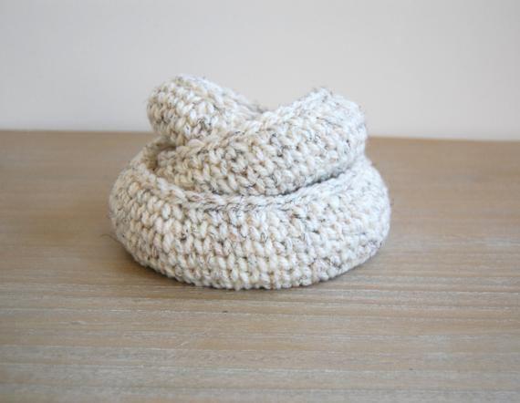 Crochet bowl pattern, nesting basket crochet pattern, nesting bowls, entryway storage, home storage ideas #crochetbowl