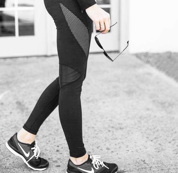 Egal ob sportlich oder aufreizend sexy, diese Leggings mit Mesh-Ausschnitten lässt dich dabei gut aussehen. Hier entdecken und shoppen: http://sturbock.me/EEw
