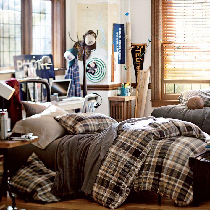 guys-dorm-bedroom-inspirationjpg (710×710) College dorm stuff