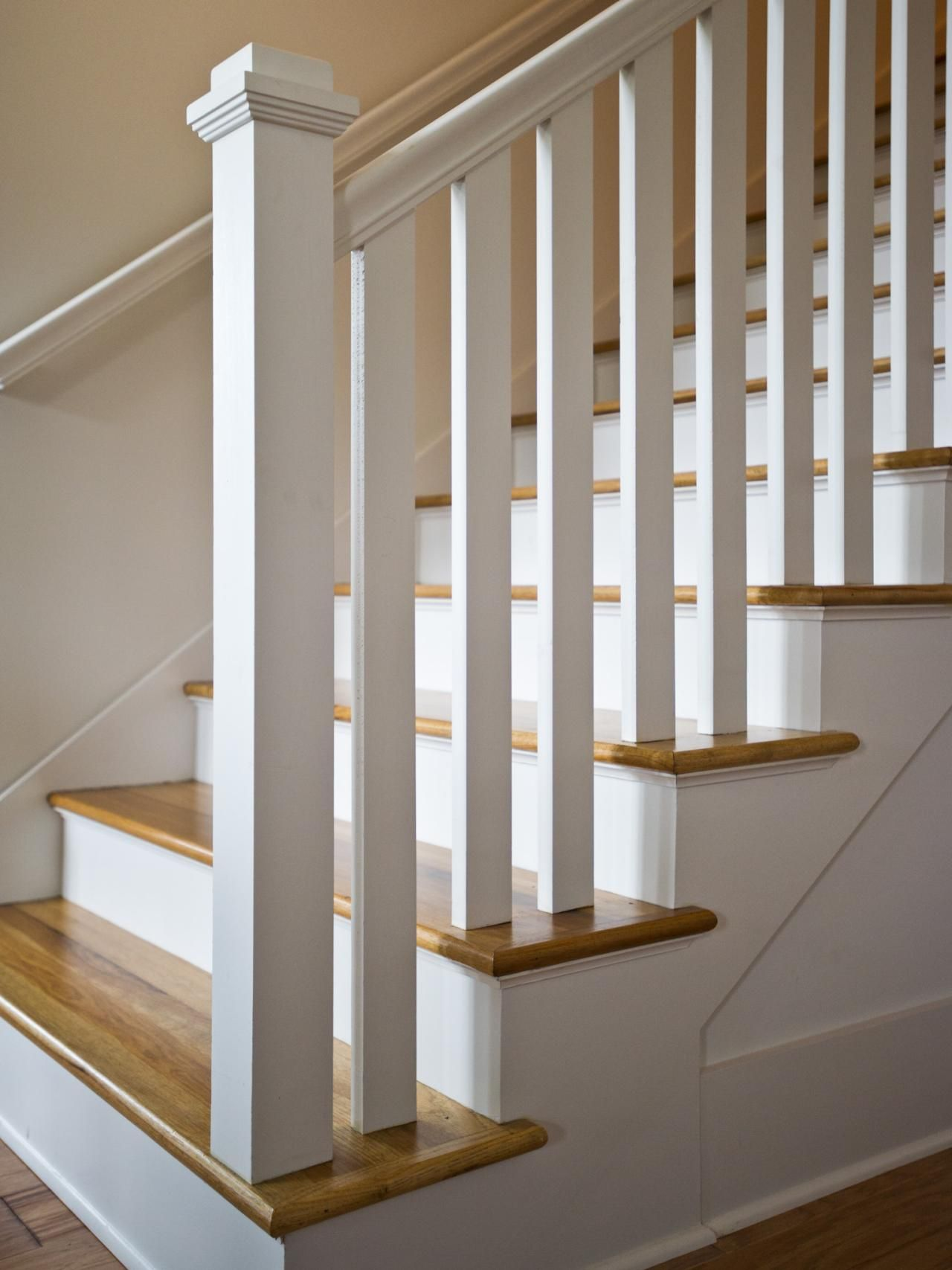 Traditional White Staircase White Staircase Staircase Design | White Wood Stair Railing | Entryway Stair | Metal | Outdoor Stair | Baluster Curved Stylish Overview Stair | Glass