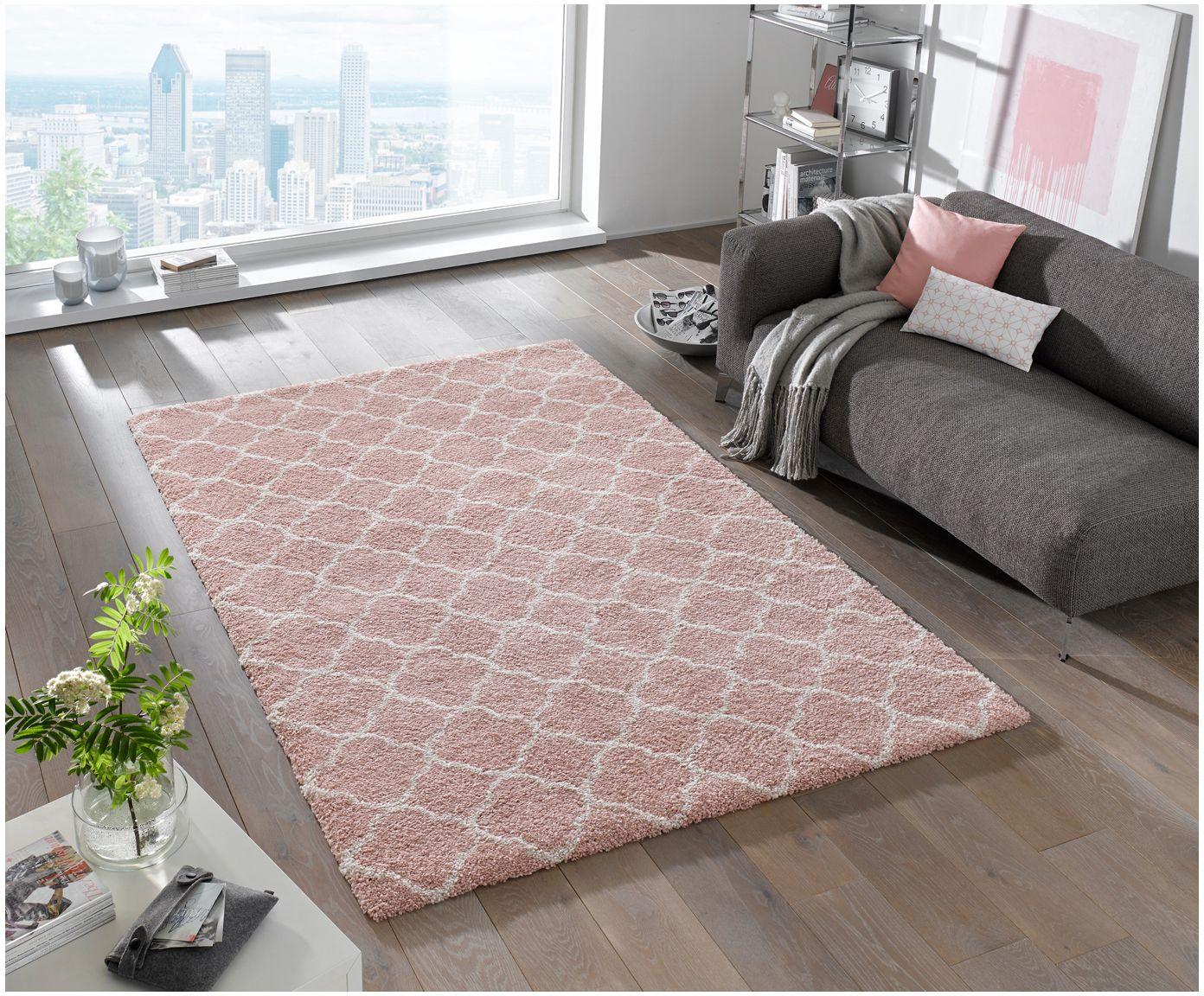 d1453e6ec7 Gehen Sie mit dem Teppich Grace in Pink und Creme mit Trellis-Muster wie  auf Wolken. Entdecken Sie weitere tolle Teppiche auf >> WestwingNow.