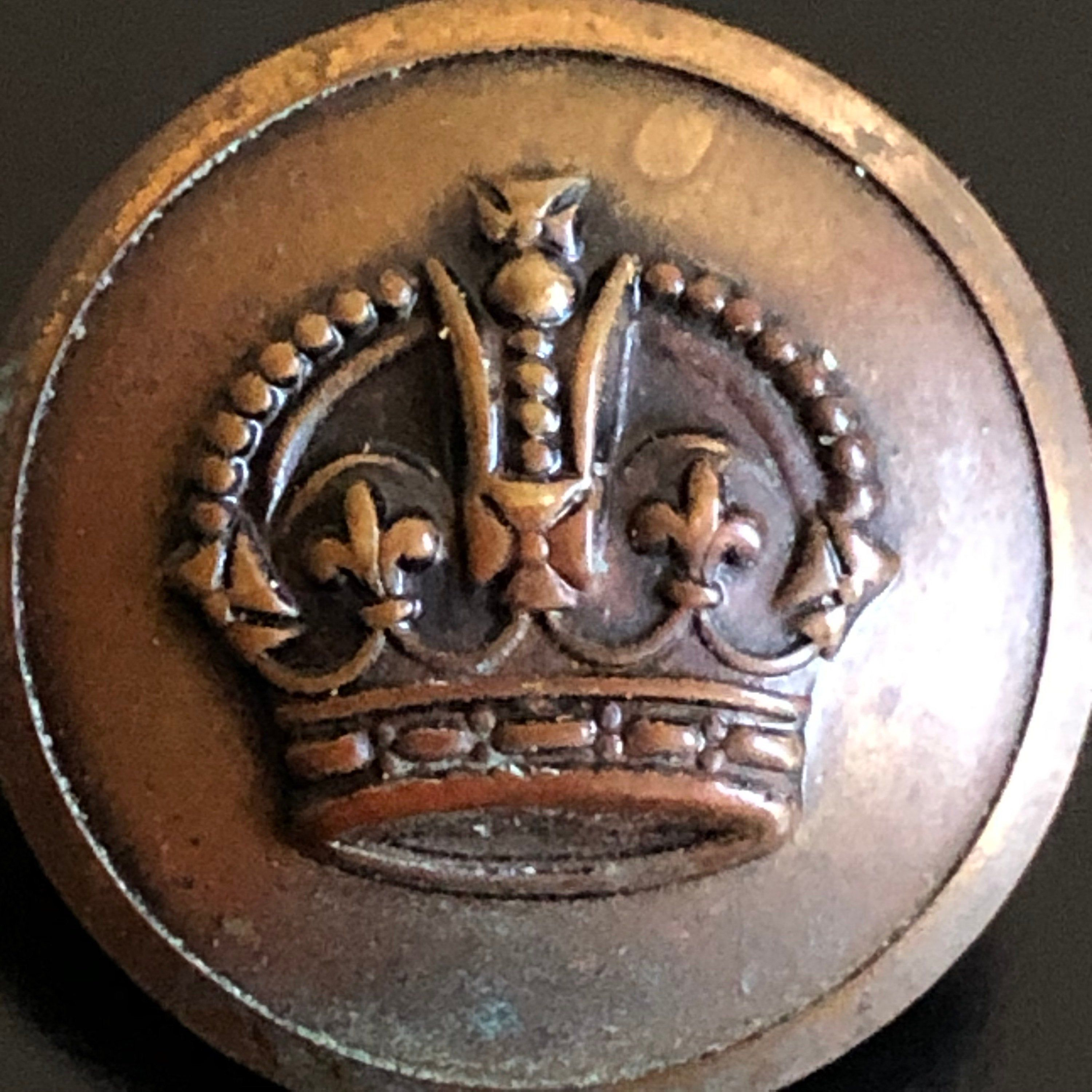 Antique british civilian and military kings crown button