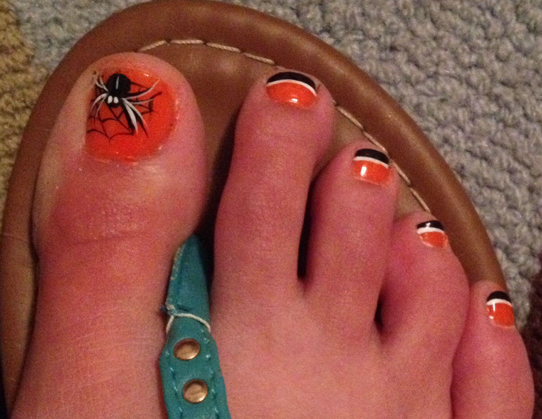 Halloween toe nail art | Toe nail art | Pinterest | Halloween toe ...