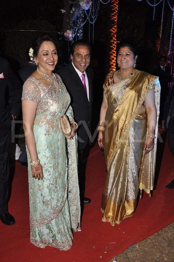 Dharmendra Hema Malini Esha Deol And Abhay Deol At Ahanas Wedding