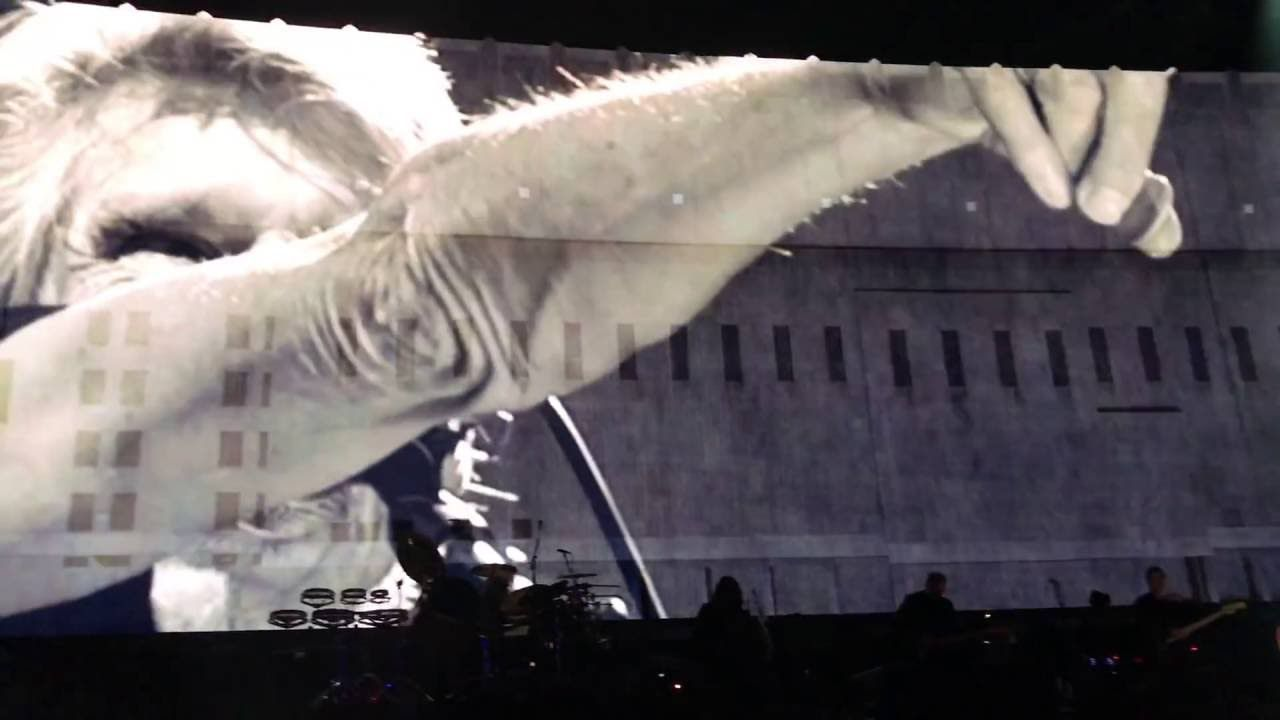 Roger Waters Another Brick In The Wall Part 2 Live Desert