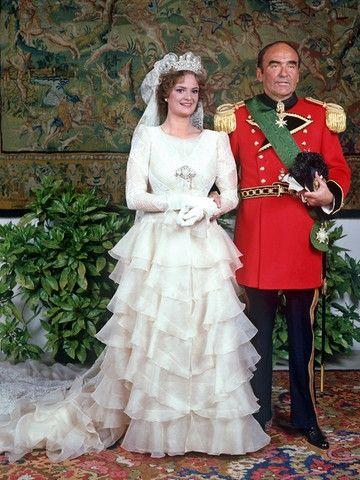 Royal Weddings Message Board May 31 1980 Furst Johannes Maria Gloria Von Schonburg Glauchau Regensbu Royal Wedding Dress Royal Wedding Gowns Royal Brides