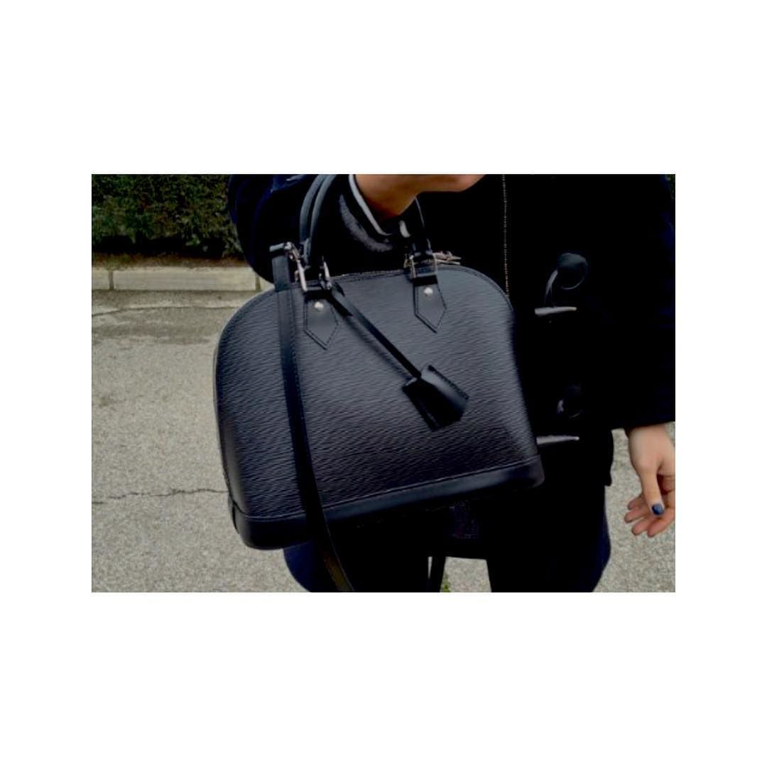 2ed8859d4c6d Louis Vuitton Epi Alma PM black bag comes with detachable shoulder strap to  be a cross-body excellent condition asking  880 comment for more  information or ...