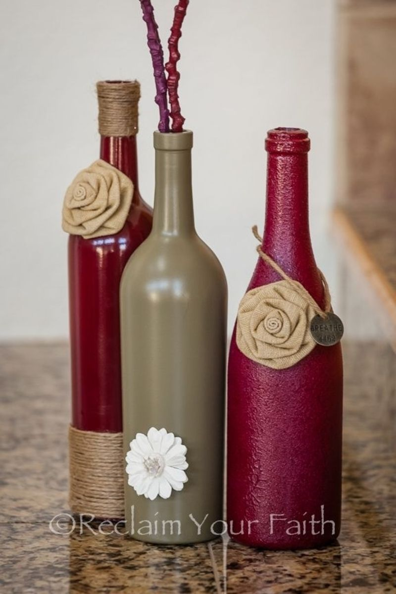 Table Display The Colors And Decor On These Bottles Are Perfect For A Side Table Or Mantle Wine Bottle Diy Crafts Wine Bottle Diy Bottles Decoration