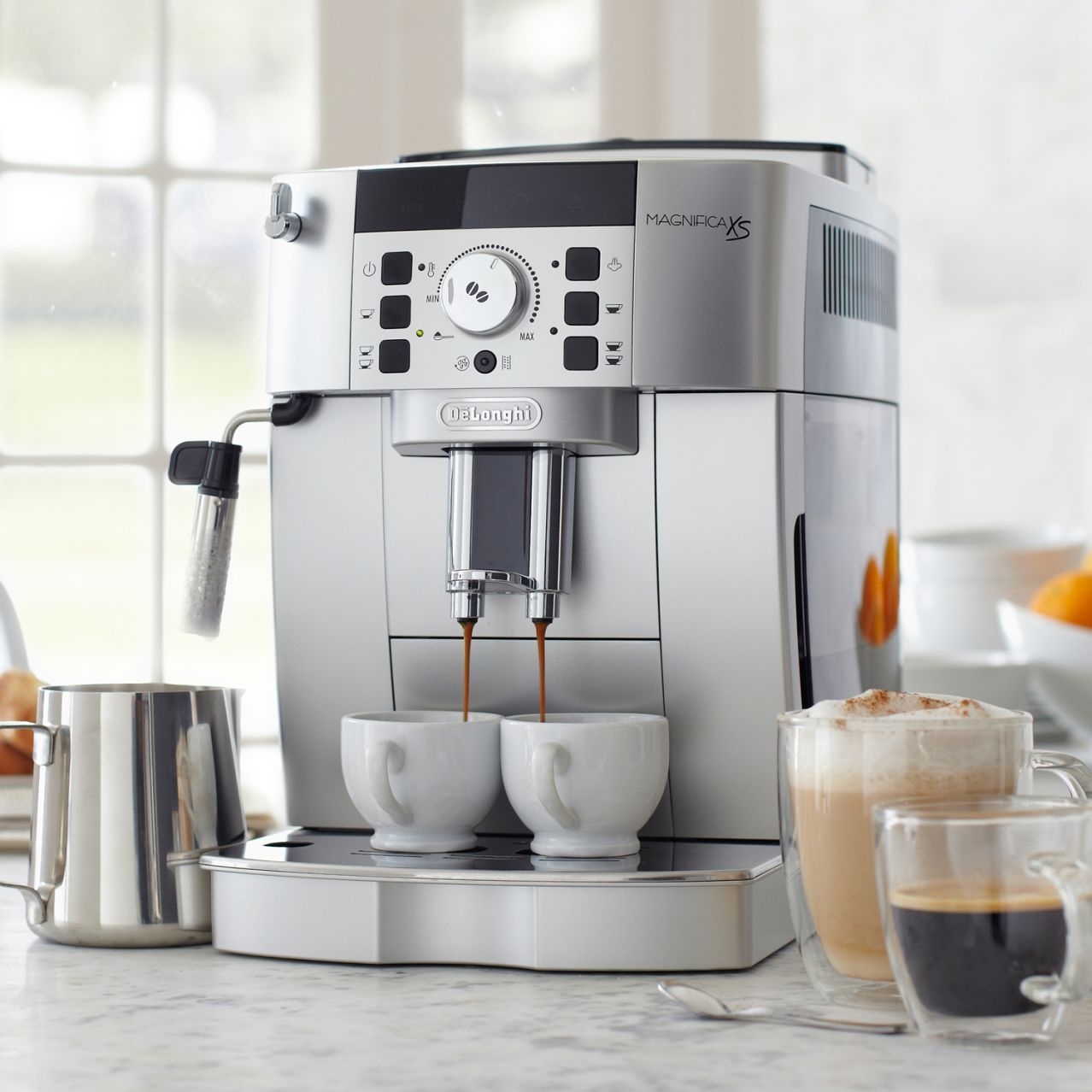 De'Longhi® Magnifica XS Sur La Table Automatic