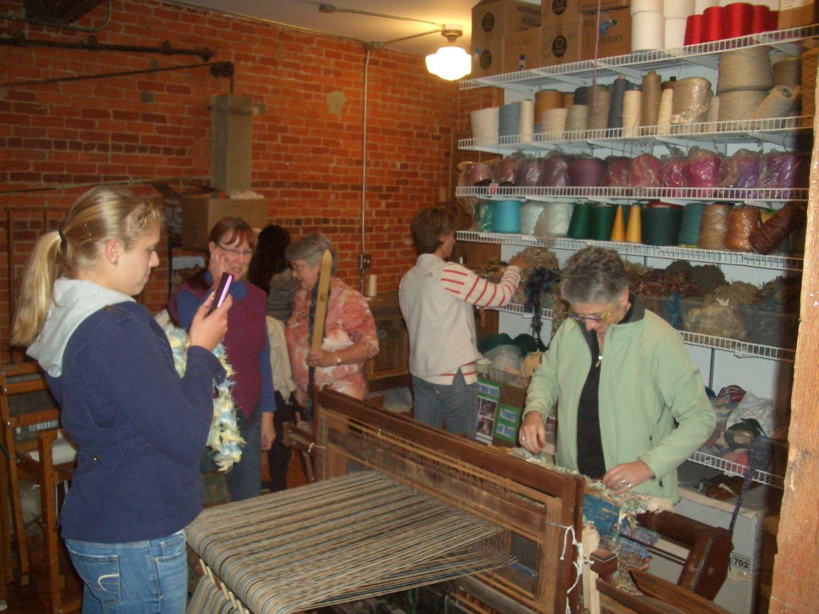 Beginners Weaving Rag Rugs on our Weavers Delight looms.