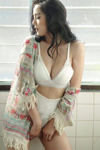 345cd5961945f Pin by Aoake Aoake on Thai Sexy Model Girls | Bra, Model, Fashion
