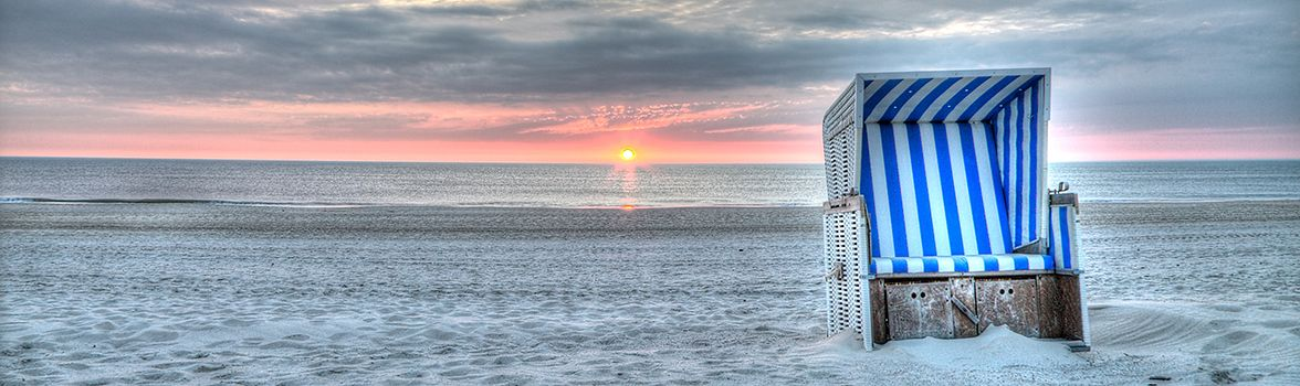 sonnenuntergang am strand auf sylt sylt strandkorb beach ocean sylt pinterest sylt. Black Bedroom Furniture Sets. Home Design Ideas