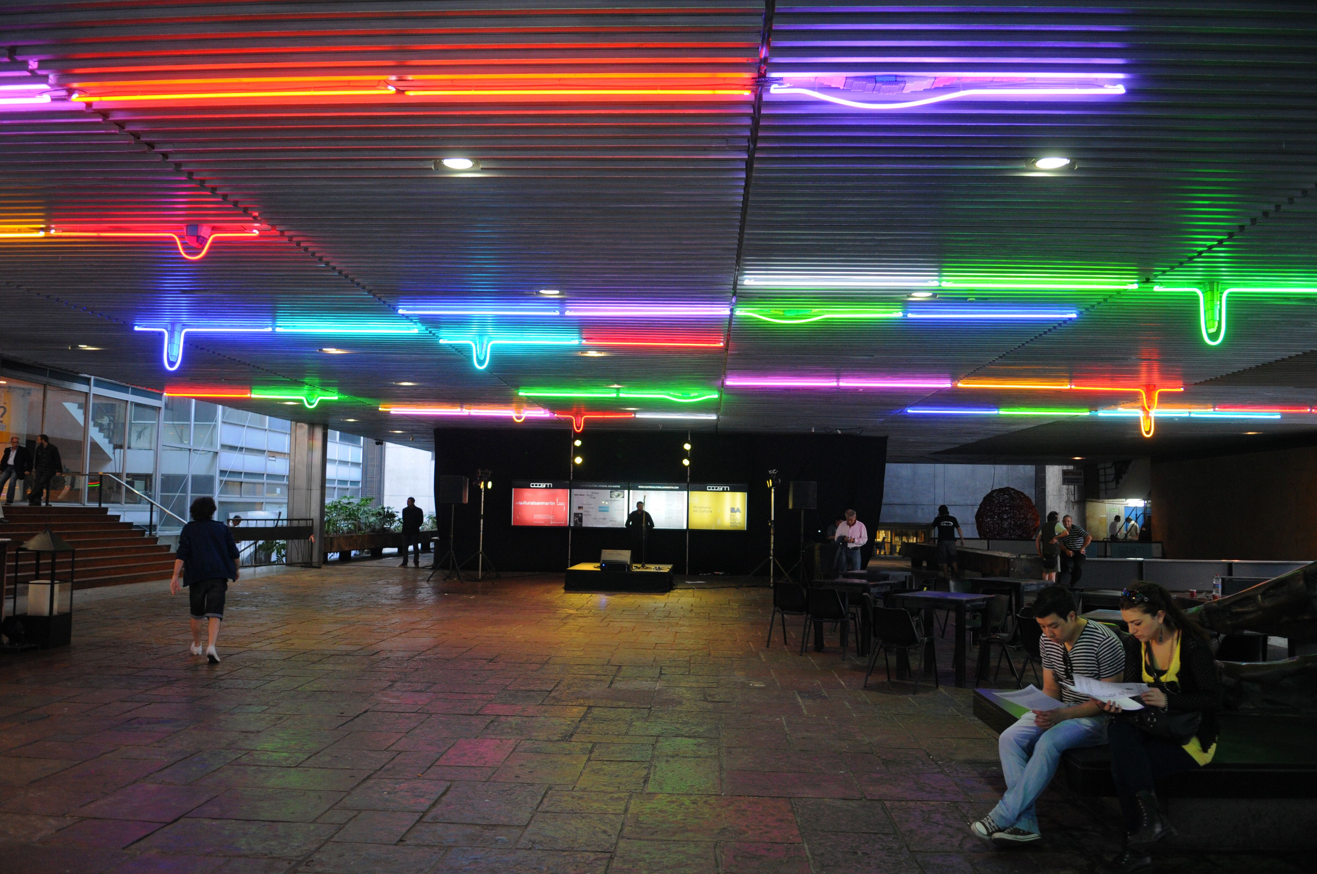 """Cielo"" site specific. Neon. Centro cultural General San Martin. Buenos Aires."