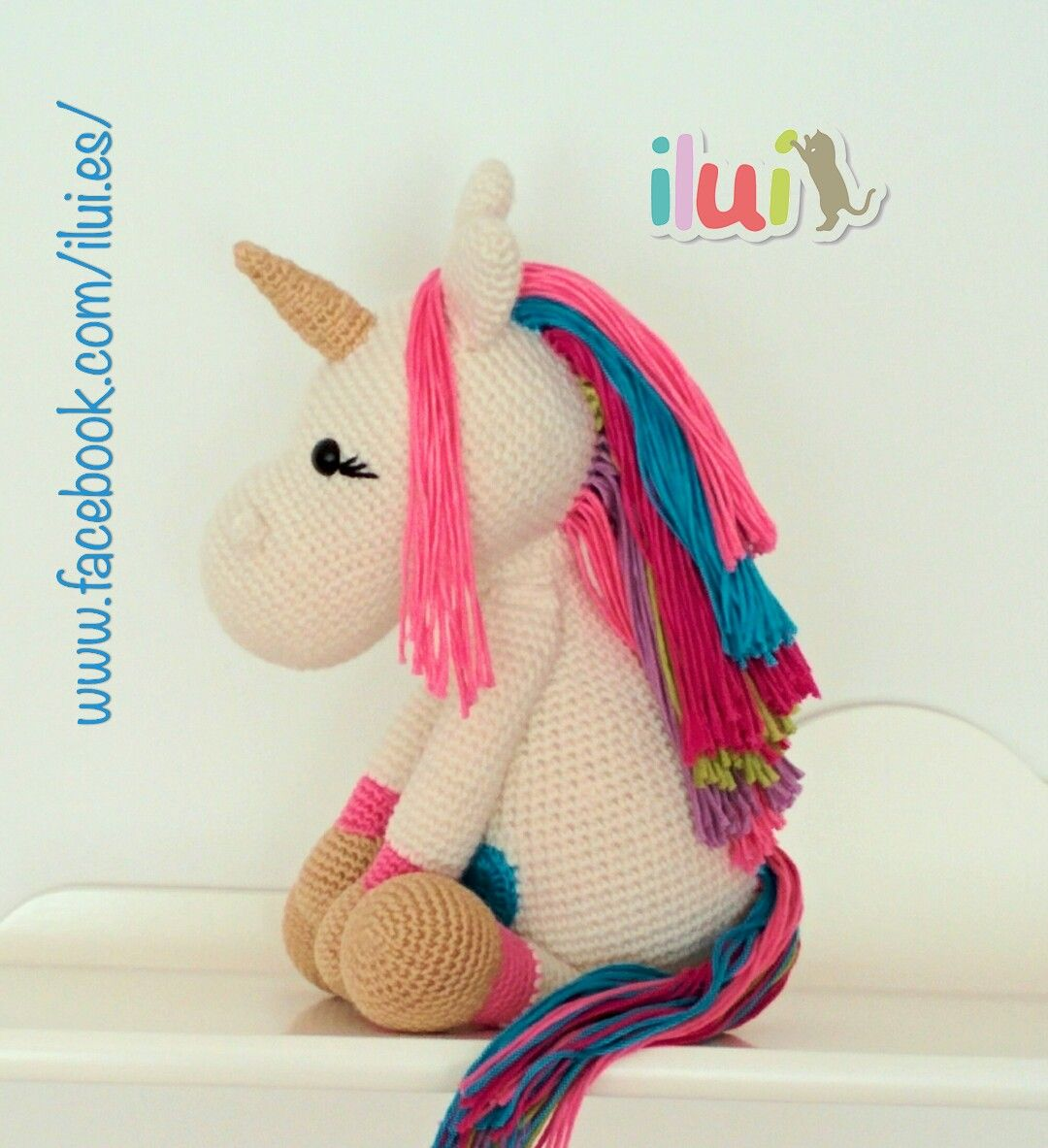 Peluche unicornio tejido con la técnica amigurumi. Realizado con ...