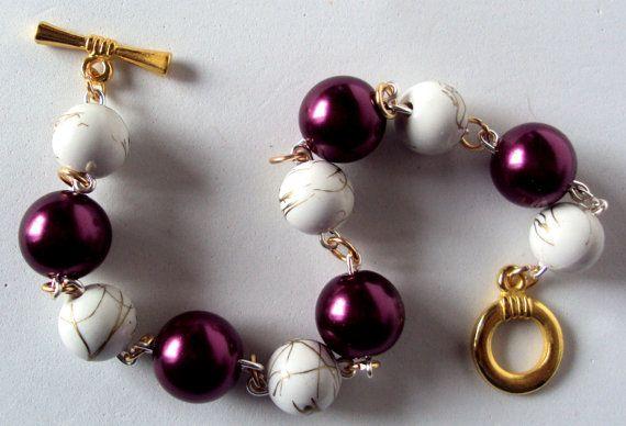 Burgundy bubble bracelet bauble bracelet chunky by NezDesigns, $10.00