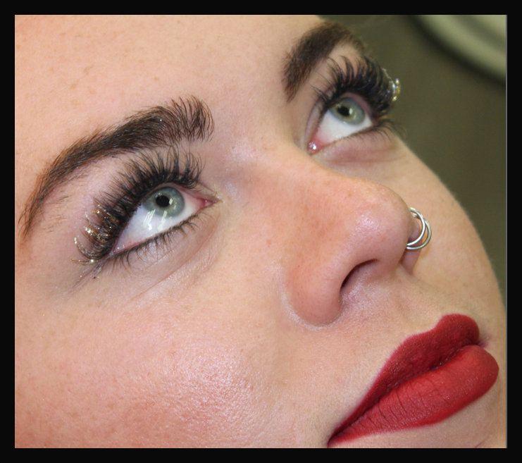 Glitter Eyelash Extensions Add Sparkle To Your Individual Eyelash