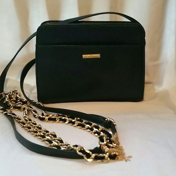 Classic Crossbody Liz Claiborne faux pebbled leather zipper closure,  inside pocket, gold hardware. No flaws. A classic vintage crossbody. Liz Claiborne Bags Crossbody Bags