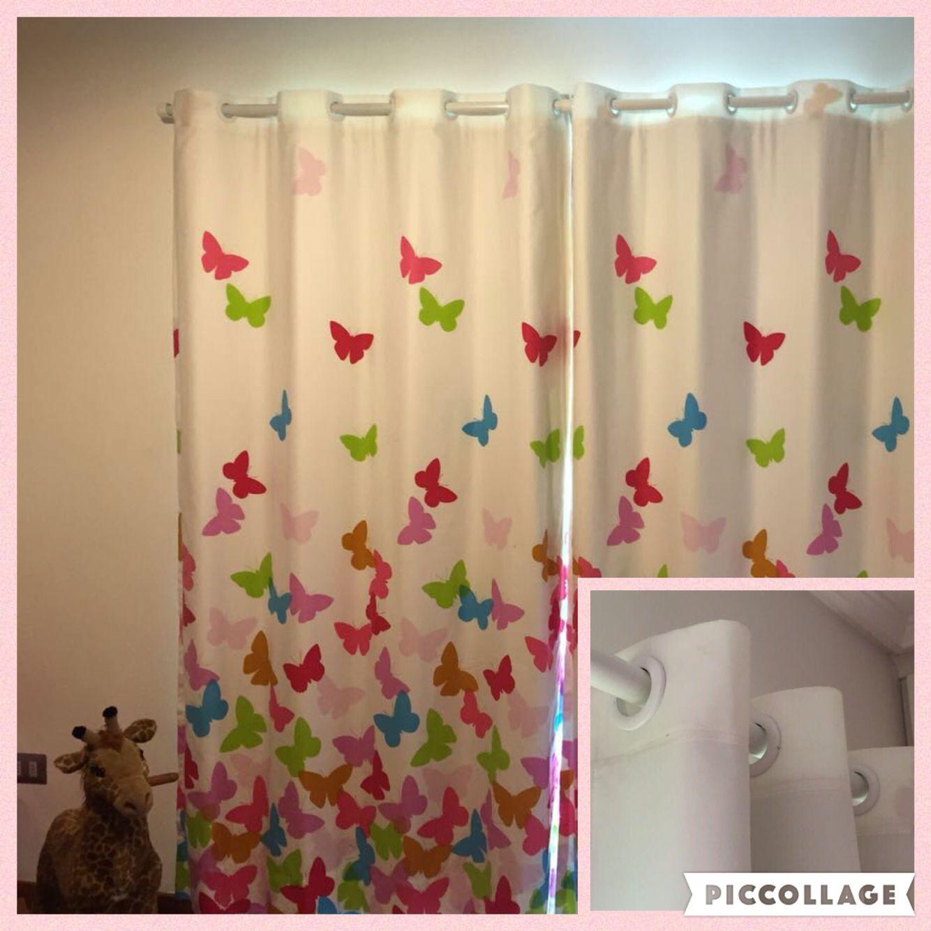 Lindas cortinas ojetillo, ideal para la habitación de los mas pequeños.