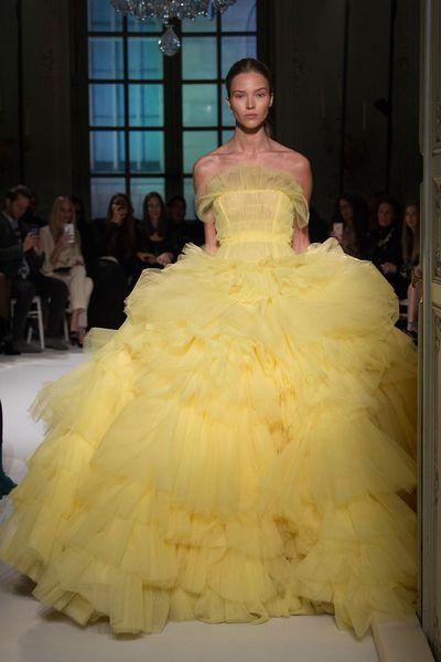 Disney-Prinzessinnen in Haute-Couture-Kleider | Yellow style ...