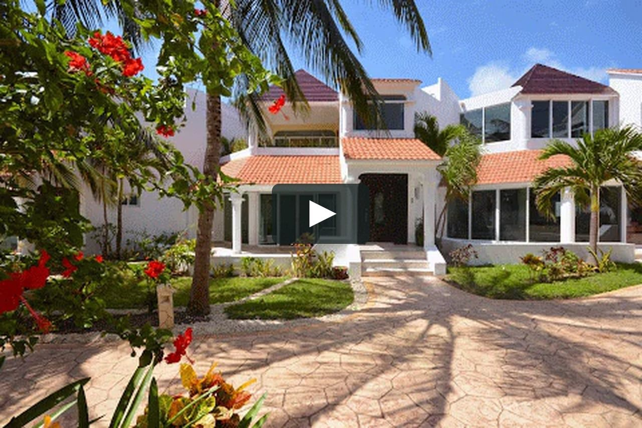 BEACHFRONT HOUSE FOR SALE IN PUERTO MORELOS Puerto