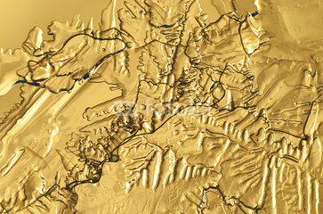 Eiskristalle auf Gold fotografiert