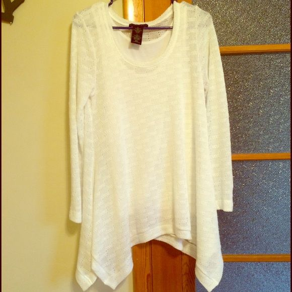 Sweater Beautiful white sweater. Looks great with leggings and ...