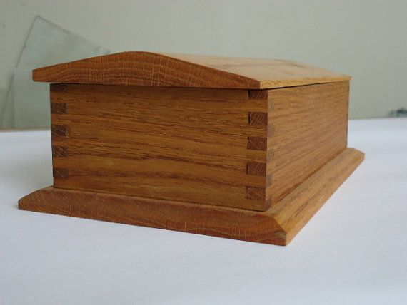 5 X 10 X 3 Deep Box Pitched Hinged Lid Box Joined Corners Red Felt And Linseed Oil Finish This One Is Made Of All 2nd Hands F Keepsake Boxes Box Memory Box