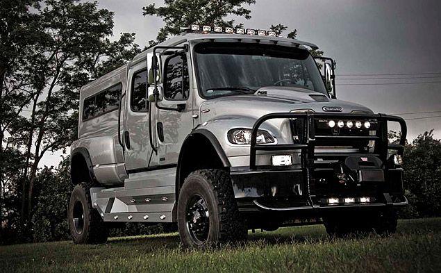 looks like a zombie apocalypse vehicle - Zombie Voiture