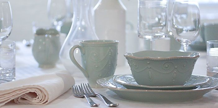 Pastel blue dinnerware selections for your easter table for Table 6 lenox