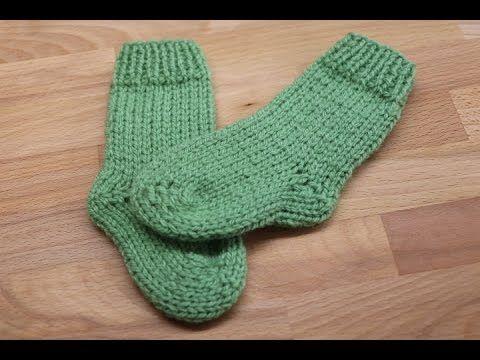 Como tejer calcetines calcetas o medias para bebe en - Como hacer calcetines de lana ...