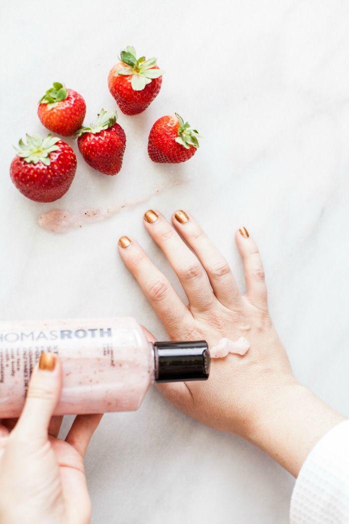 PETER THOMAS ROTH - Strawberry Scrub Fruit Enzyme Polisher Burts Bees 100% Natural Moisturizing Lipstick, Juniper Water, 1 Tube