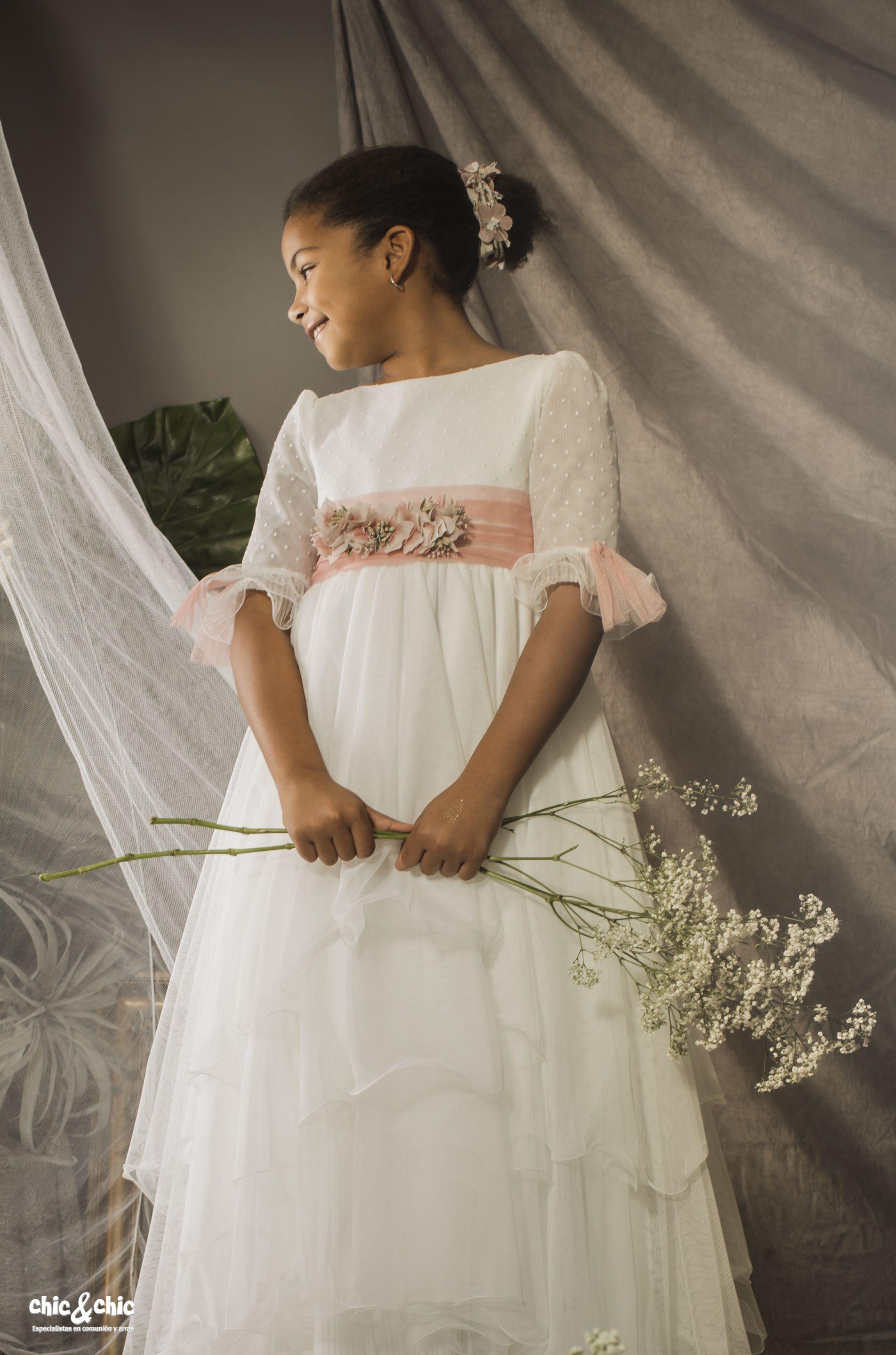 af643300e Vestido de comunión 9642 capas y tul plumeti. Blanco roto | Vestidos ...