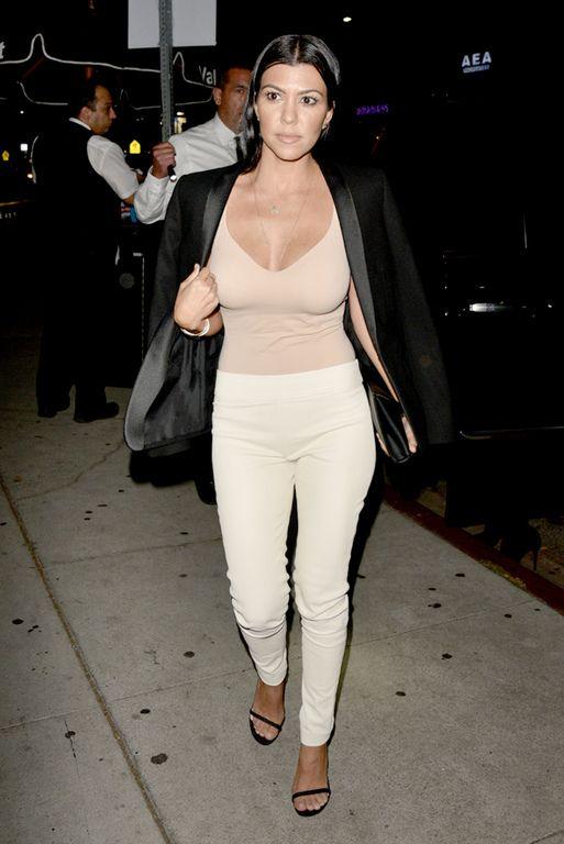 Kourtney Kardashian : belle toute nude