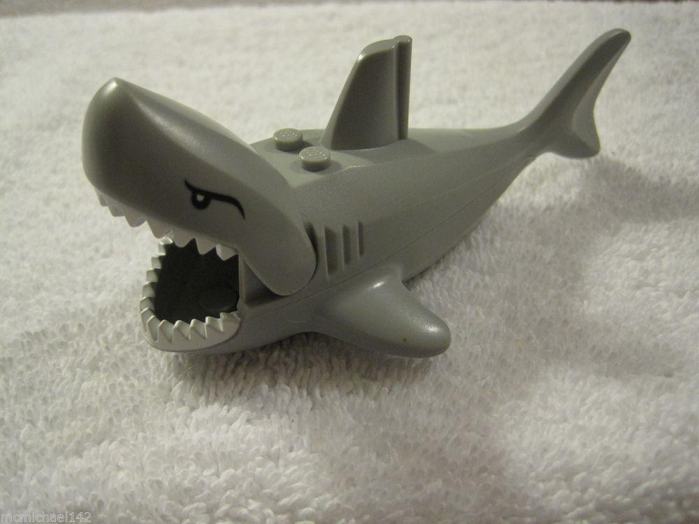 Large Great White Shark Legos Minifigure Swallows Lego Minifigs 8633