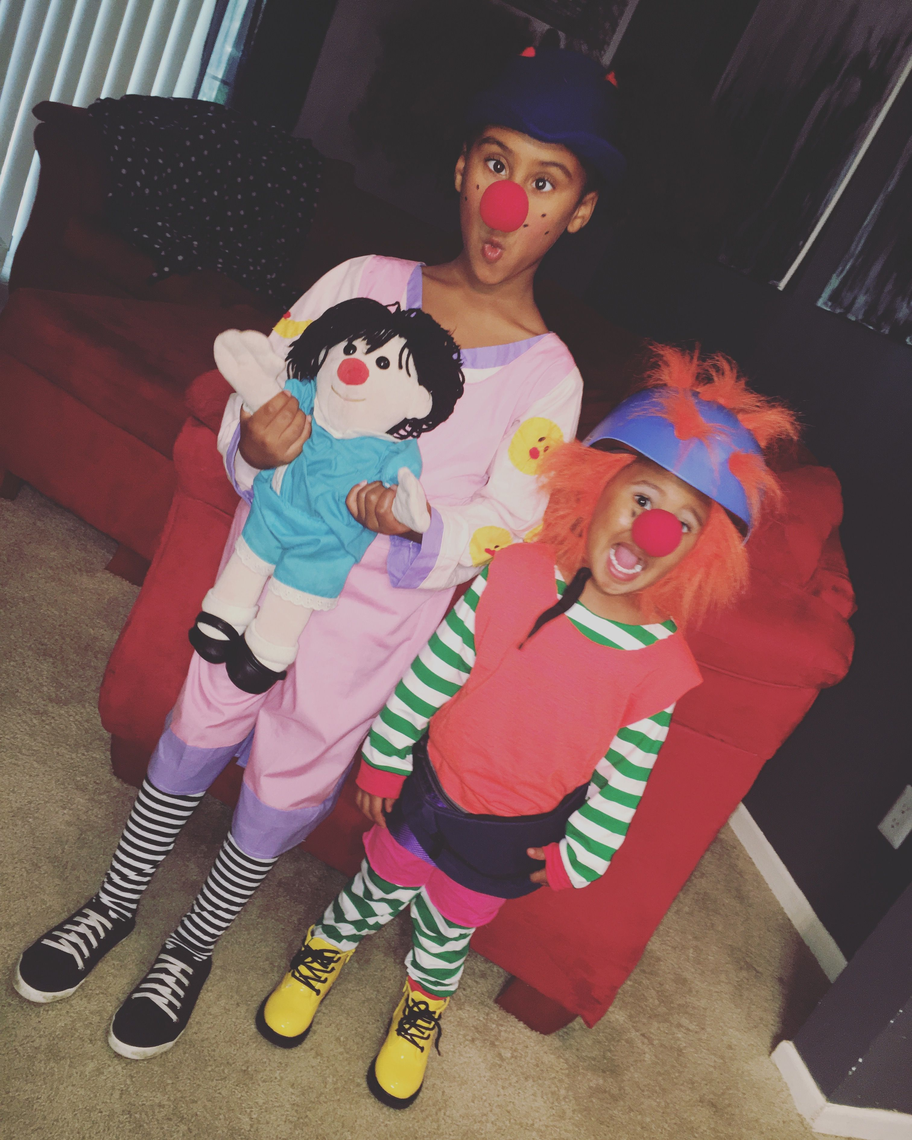 Big Couch Clown Loonette The Clown And Major Bedhead Diy Costumes The Big