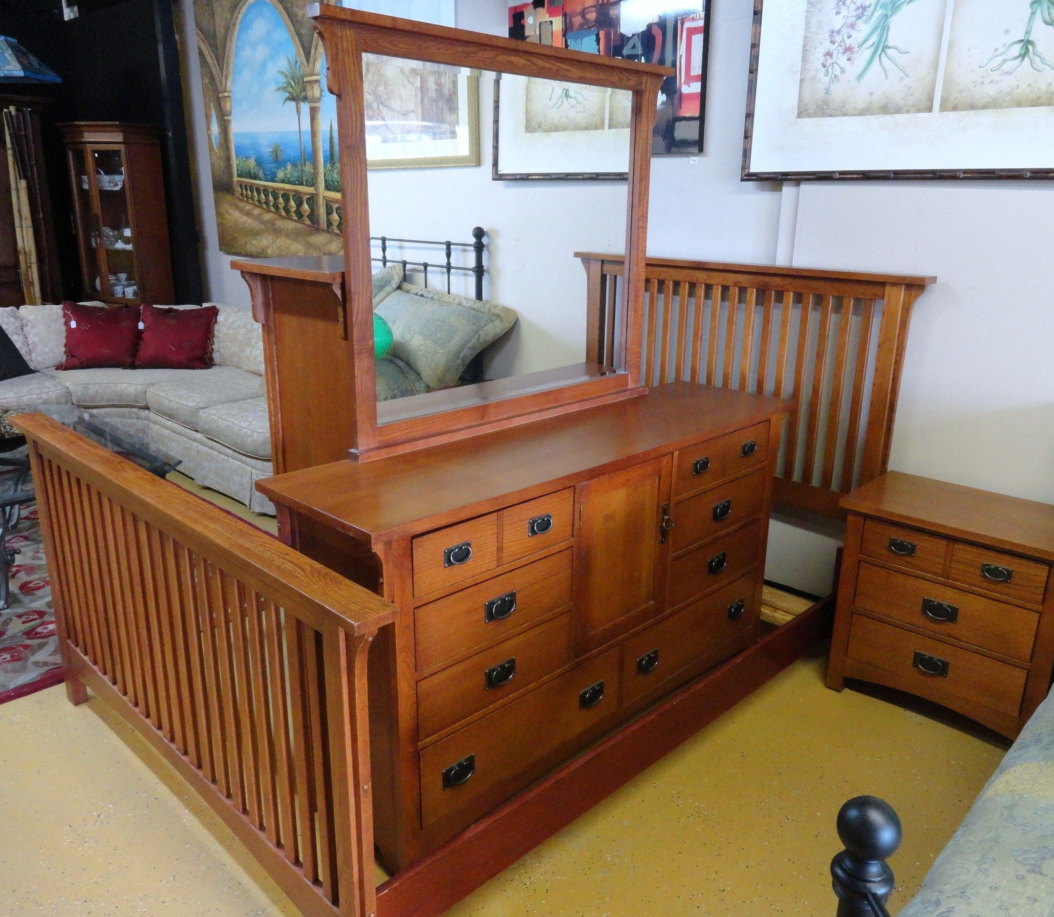 Vaughan Bassett Oak Complete Bedroom Set Dresser & Mirror, Chest,