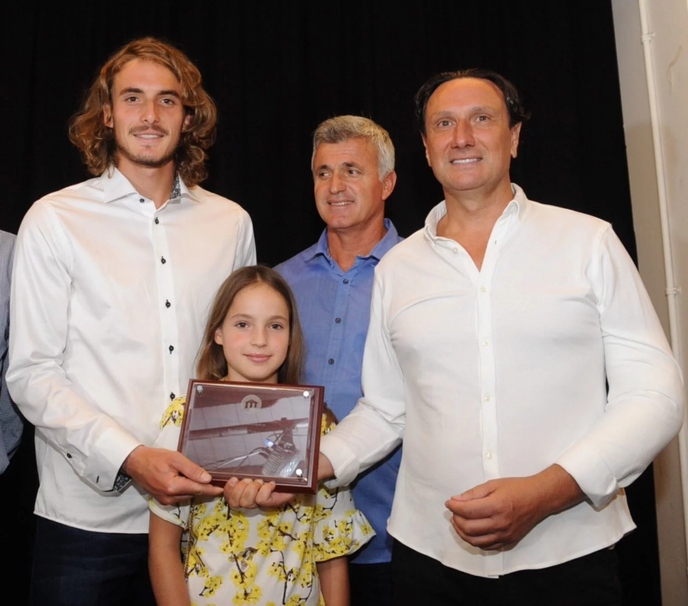 Greek Community Honours Tennis Star Tsitsipas For Uniting Greeks Photos Videos With Images Tennis Stars Fun To Be One Train Hard