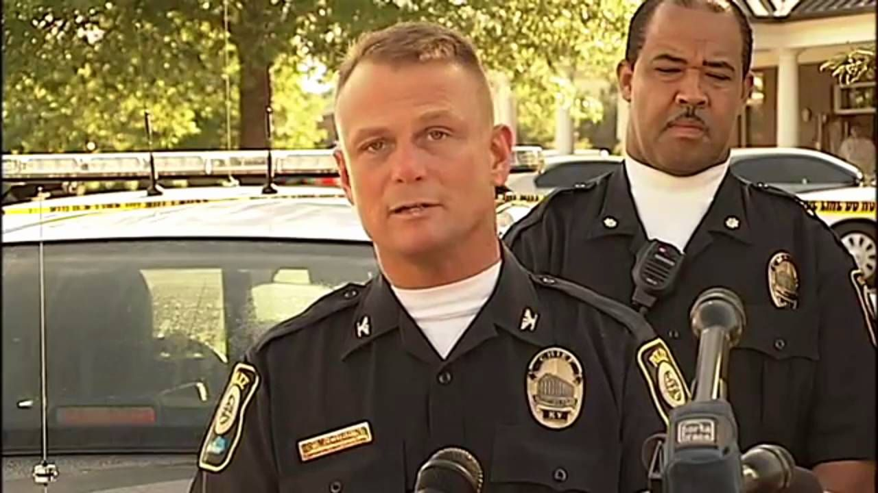 23 Ways You Could Be Killed If You Are A Police Officer In America Police Workout Police Officer Requirements Law Enforcement Jobs