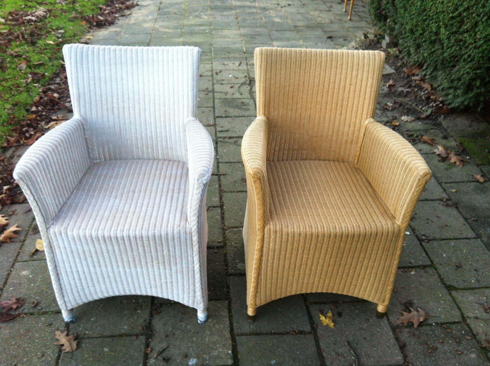 Een tijdje geledenkreeg ik de vraagvan iemand omeen aantal rieten stoelen te restylen. Ikheb al veel meubels een nieuw jasje gegeven, ...