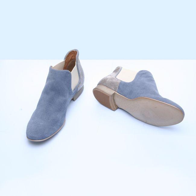 Bottines Bleues en velours à porter sans modération !  blueshoes  boots   summerboots   bc18a625b2f7