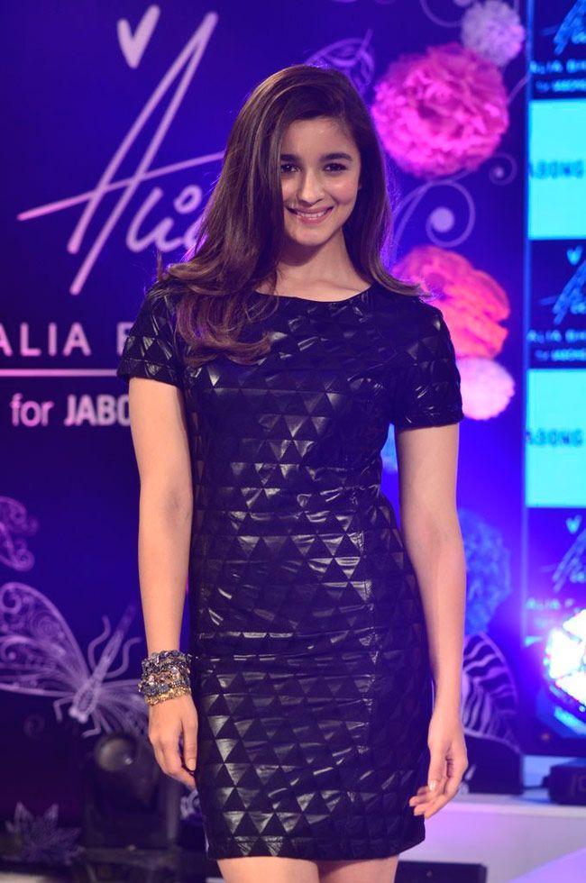 Alia Bhatt turns fashion designer 11