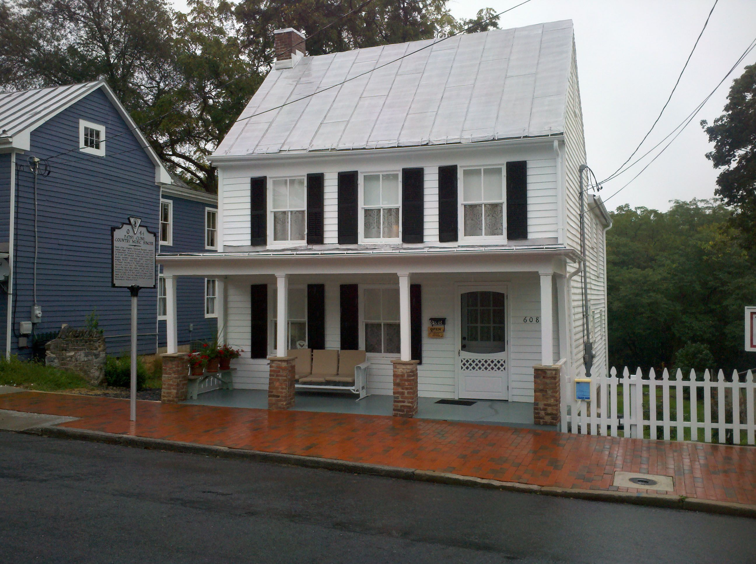 The Patsy Cline House In Winchester Va About Twenty Minutes From Where I Live Historic Homes Winchester Virginia Patsy Cline