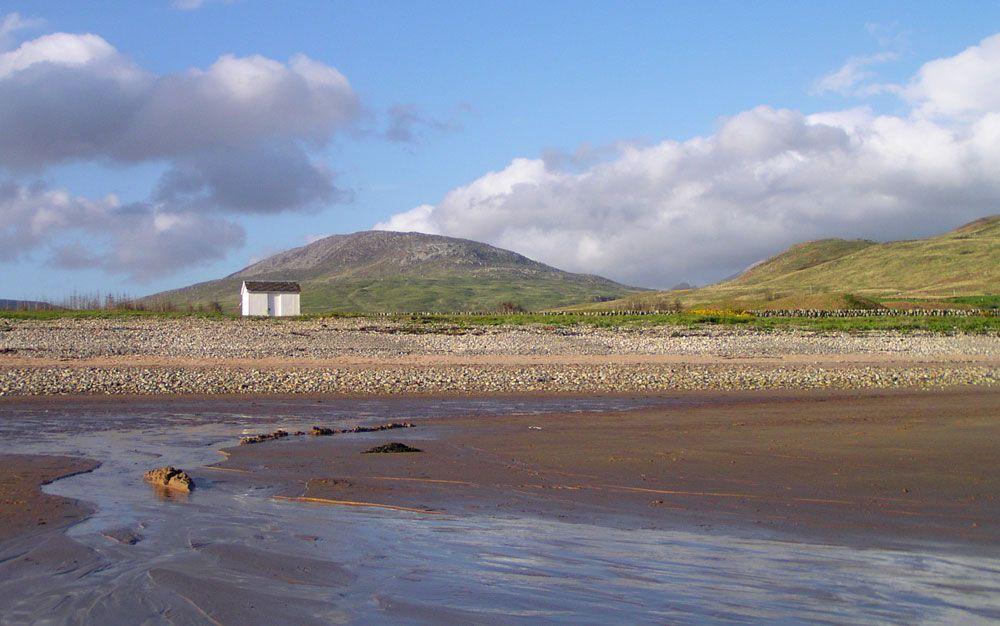 Arran-04-08-23-Beach-hut-at-Dougarie.jpg 1000×626 pikseliä