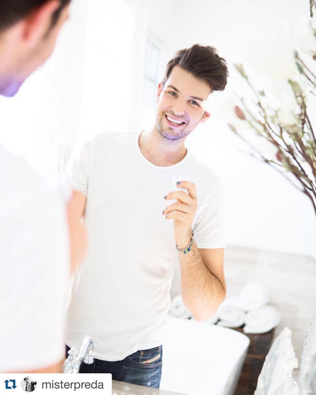 #Repost @misterpreda with @smilesciencesstreetteam ・・・ Oh hi didn't see you there  I've been really happy with my @smilesciences whitening kit! It's VEGAN, cruelty-free and made in the USA! You can use my coupon code MISTERPREDA at www.smilesciences.com and grab it for only $29! #smilesciences #whiteteeth #smile #mensfashion #instacute #writer #producer #journalist #loveit
