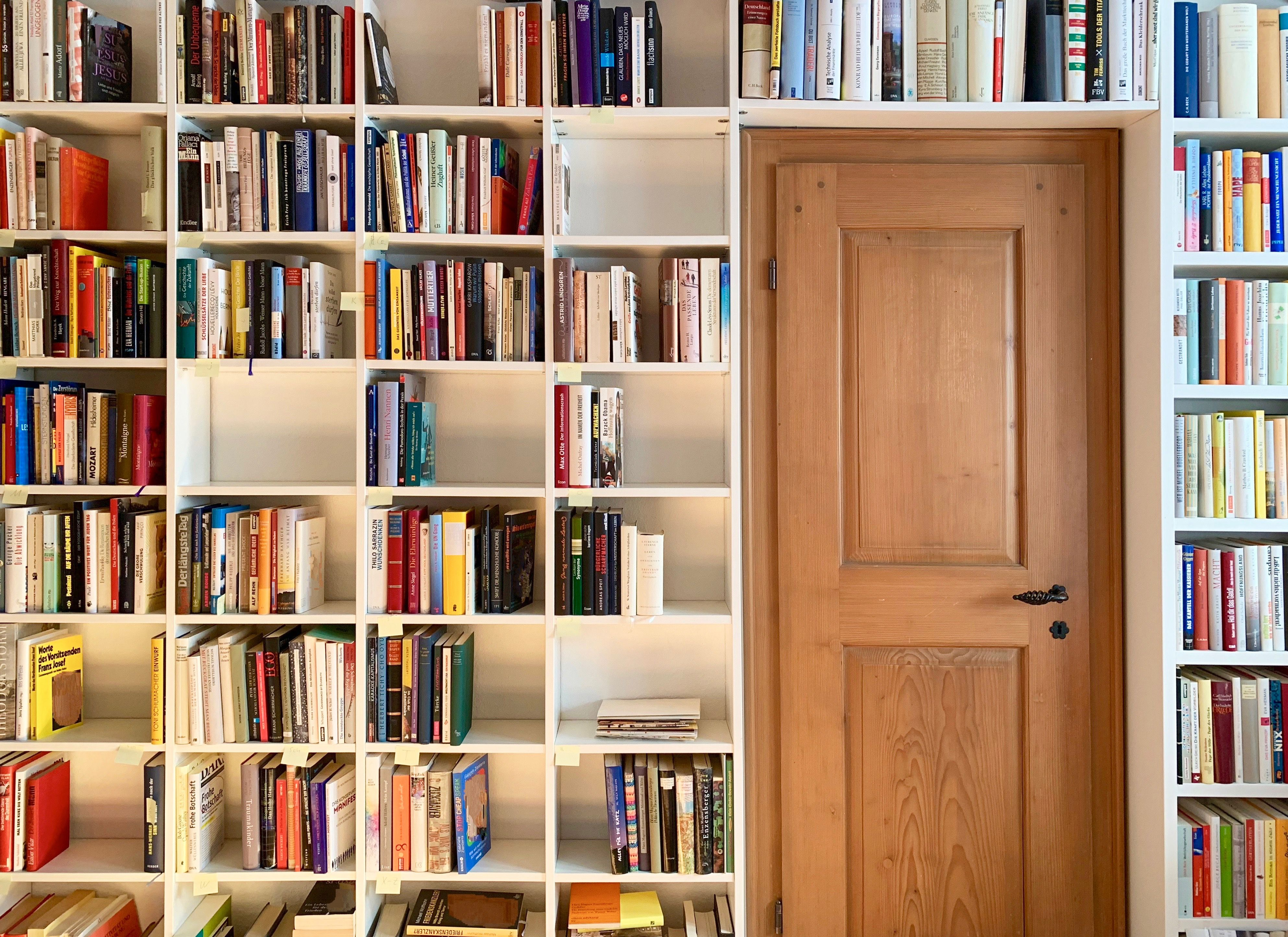 How to display your books when space is tight Small