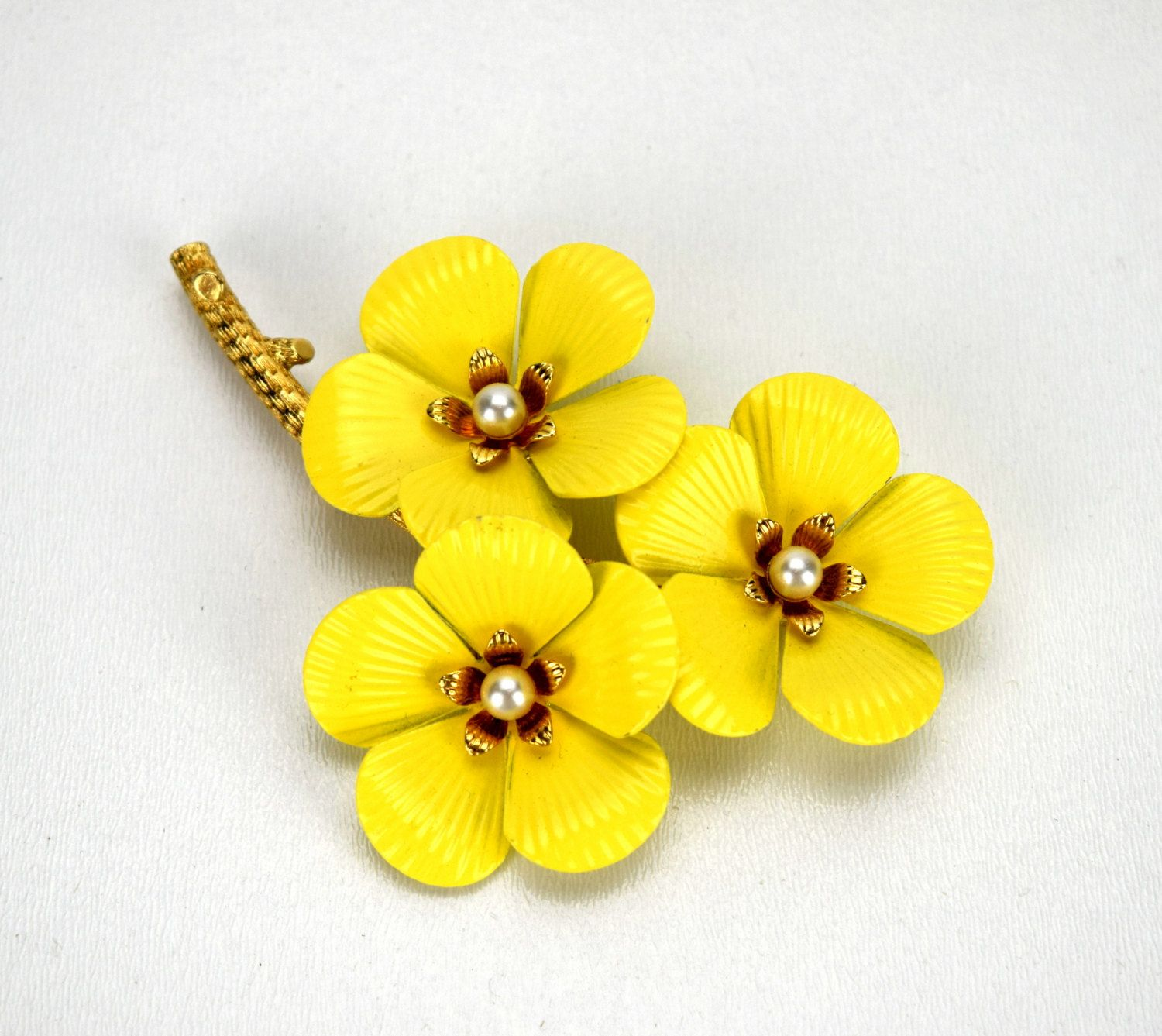 Sarah Coventry Primrose Brooch Enameled Yellow Flower Pin As Is