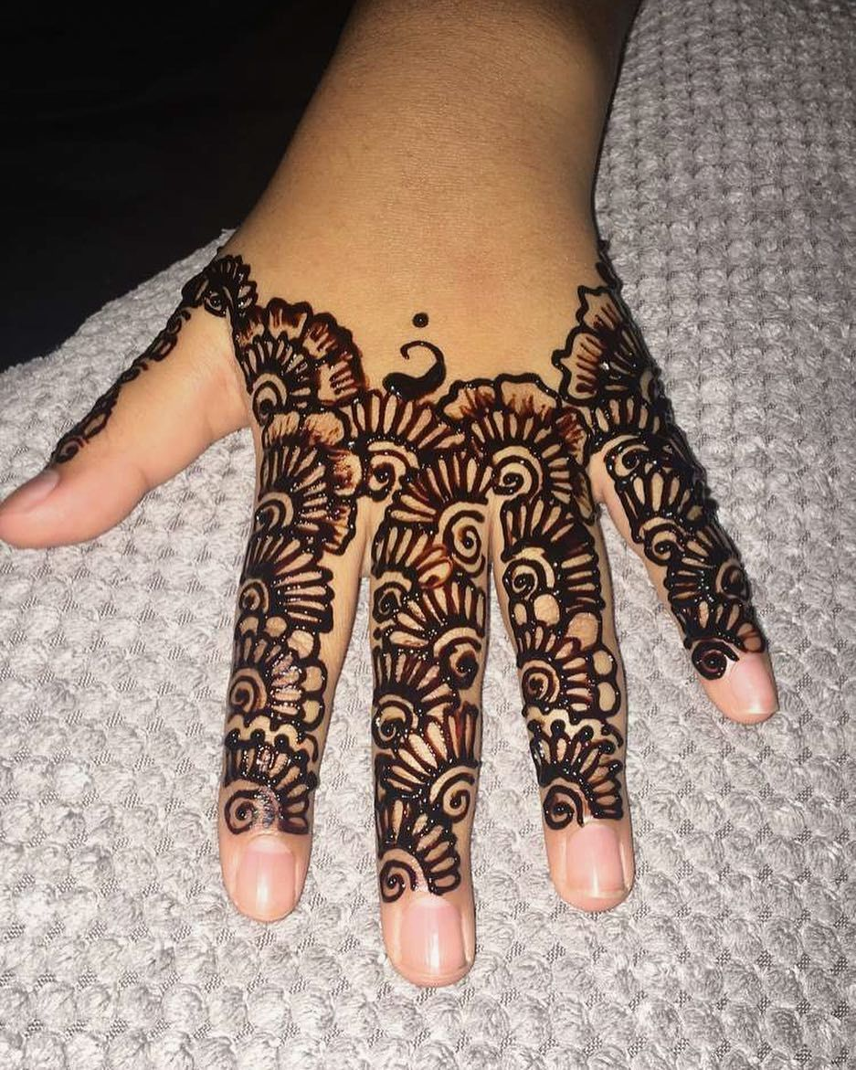 Simple Henna For Henna Booking Quotes Orders And Equires Please Send
