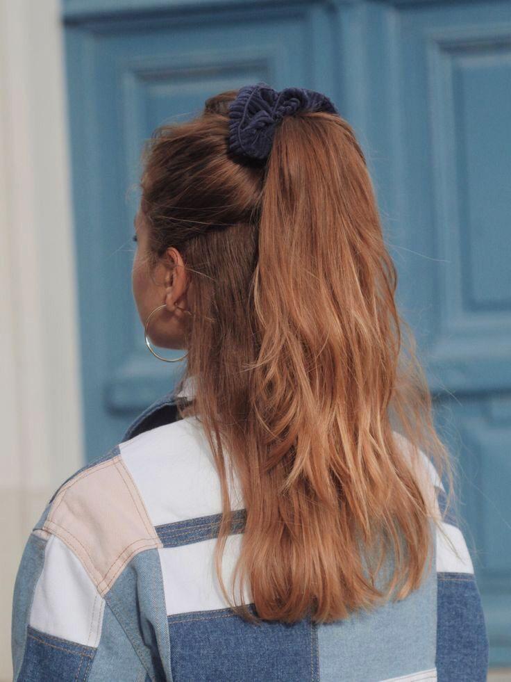 15 Peinados que puedes lograr con uno o varios scrunchies