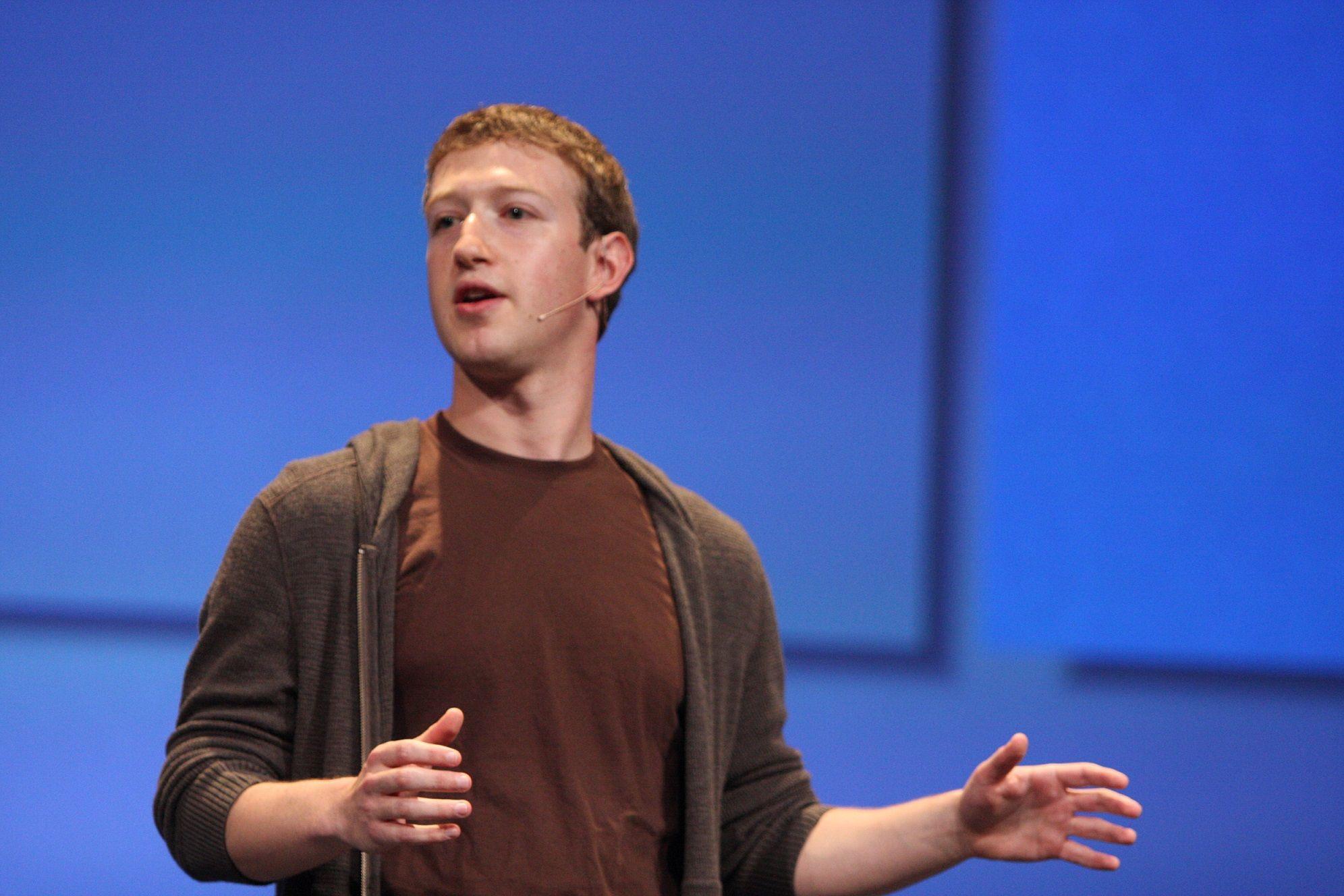 "Mark Zuckerberg Issues Memo on Facebook Employees Removing ""Black Lives Matter"" - http://www.thebitbag.com/mark-zuckerberg-issues-memo-on-facebook-employees-removing-black-lives-matter/135735"